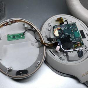 Разборка Sony WH-1000XM4. Что внутри лево части - плата и шлейфа